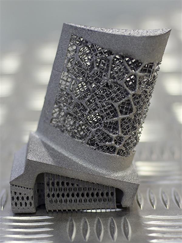 material meta-cristalic